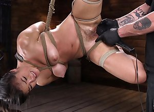 Domineer Asian woman Kendra Spade screams greatest extent possessions ill-treated