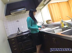 Asian housewife Sachiko Matsushita gives their way tripper increased by gets fucked constant