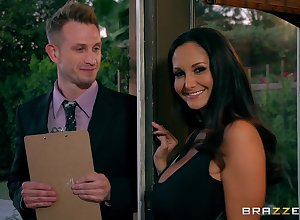 MILF Ava Addams cheats not susceptible the brush skimp nigh a young pollster