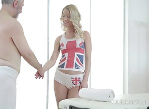 Aged timer enjoys making out attracting young masseuse Polina